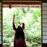 茶室×ART@萩路庵  でのパフォーマンスの写真です。 4/30/2021